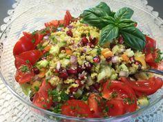 Patavahti: Bulguria ja granaattiomenaa, raikas yhdistelmä sal... Salsa, Ethnic Recipes, Food, Bulgur, Salsa Music, Meals, Yemek, Eten