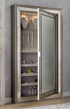 6 deco ideas for a design show - HomeCNB Hidden Jewelry Storage, Earring Storage, Secret Storage, Storage Mirror, Hidden Storage, Jewellery Storage, Diy Storage, Storage Spaces, Jewelry Mirror