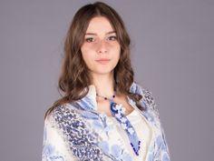 """Гердан-галстук """"Сакура"""" Нежный и экстравагантный гердан-галстук является очень модной тенденцией в современном """"офисном"""" мире. Изготовлено из чешского бисера, чешских стеклянных бусин, несравненного кабошона содалита. Также использована фурнитура """"под серебро"""". Длина вокруг шеи 47 см. Длина тканной части вместе с бахромой 21 см. Длина серег - 4,5 см. #гердан #сакура #избисера #бисер #бисерныйгердан #герданизбисера #цветениесакуры #галстук #галстукизбисера"""