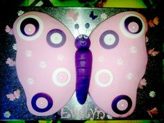 """Daniela hat uns diesen """"kleinen"""" Schmetterling vorbei fliegen lassen. Die kleinen Begleiter könnt Ihr mit diesen Auswerfern herstellen:  http://www.pati-versand.de/Zubehoer/Ausstecher/Auswerfer/Schmetterling-Stempel-3er::1950.html?utm_source=Facebook&utm_medium=Post&utm_campaign=FBSchmetterlinge"""