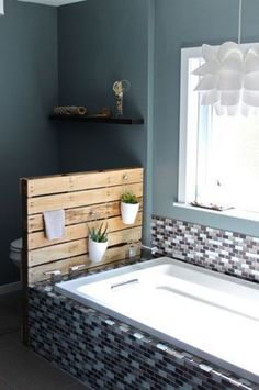 Diy Pallet Bathroom Storage Cabinet And Planter Stand.pallet wall between toilet and sink-- Pallet Bathroom, Bathroom Shelves, Modern Bathroom, Bathroom Storage, Design Bathroom, Bathroom Colors, Bathroom Wall, Bathroom Interior, Bad Wand