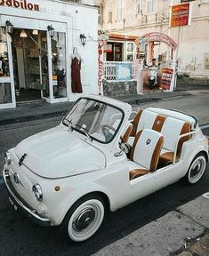 Vw Vintage, Vintage Vibes, Wolkswagen Van, Carros Vintage, Dream Cars, My Dream Car, Photowall Ideas, Vw T1, Cute Cars