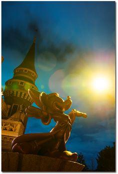 パークをよく知る東京ディズニーリゾート・フォトグラファーに思う存分ステキな瞬間を切り撮ってもらいました☆「イマジニング・ザ・マジック」  | 【公式】東京ディズニーリゾート・ブログ