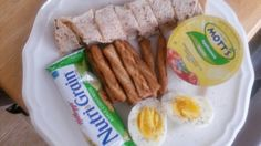 Meals Breakfast: cinnamon, honey, peanut butter, banana wrap, 9 honey pretzel sticks, and two boiled eggs with water. Lunch or quick snack: apple sause, nutri grain bar apple, with water.