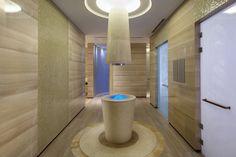 Spa Ice Fountain at Mandarin Oriental Pudong, Shanghai | por Mandarin Oriental Hotel Group
