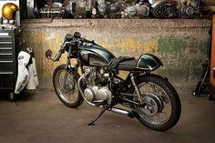 1975 Kawasaki KZ400 by Vast Moto | Pipeburn.com
