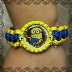 Paracord bracelet with a minion bottlecap, great for the boys!