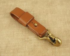 Fenner CRAFTS Handcrafted Beaked Hook Belt Hanger for Pocket Carry of Keys / EDC - Veg-Tan Honey Whiskey Tan