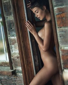 Hot naked womens butts