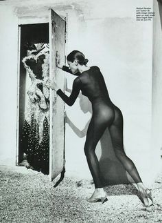 helmut newton photo: diva closet by helmut helmut_newton_various_photos01.jpg