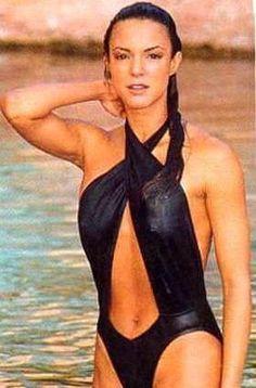 Eva LaRue Hot Pics Sexy Near-Nude