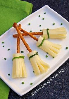 Halloween Recipes : THalloween Week - Broom Sticks