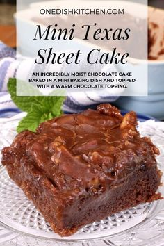 This is the best Texas sheet cake recipe! An incredibly moist chocolate cake baked in a mini baking dish and topped with a warm chocolate topping. Easy to make and the perfect amount to serve one or two people. Dessert For Two, Summer Dessert Recipes, Dessert For Dinner, Mini Chocolate Cake, Chocolate Topping, Mango Mousse Cake, Slushie Recipe, Sheet Cake Recipes, Cake Cover