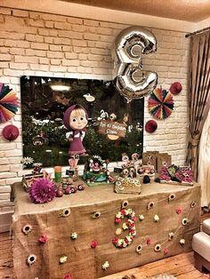 Resultado de imagem para masha and the bear birthday decorations Bear Birthday, 3rd Birthday Parties, Girl Birthday, Marsha And The Bear, Bear Theme, Bear Party, Art Design, Holidays And Events, Party Printables