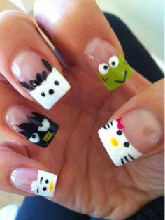Hello Kitty nails! But no Chococat :(