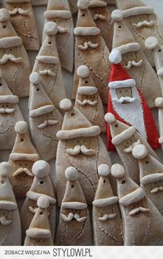 Salzteig Weihnachtsmann und mehr - Basteln im Advent - . salt dough christmas crafts (Simple Bake With Kids) Clay Christmas Decorations, Christmas Clay, Christmas Crafts For Kids, Diy Christmas Ornaments, Homemade Christmas, Christmas Projects, Holiday Crafts, Christmas Holidays, Santa Ornaments