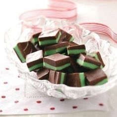 Peppermint Christmas Candy~ Oh yum! 1 cup semisweet chocolate chips, 1 can (14oz) sweetened condensed milk, divided,1 cup white baking chips, 3 tsp peppermint extract, 2 to 3 drops green food coloring