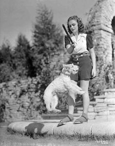 Donna Reed and Asta 1941