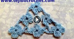 Crochet chal shawl with subtitles in several lenguage Poncho Crochet, Bonnet Crochet, Crochet Fabric, Crochet Motifs, Crochet Diagram, Crochet Stitches Patterns, Love Crochet, Crochet Scarves, Crochet Clothes