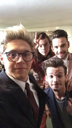 Four One Direction, One Direction Images, One Direction Wallpaper, One Direction Humor, Niall E Harry, Bae, Normal Guys, Thing 1, James Horan