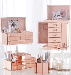 This Mirrored Divided Beauty Organizer Cup is perfect for storing all of your brushes in one convenient space. The mirrored design offers a chic display on your vanity. Room Decor Bedroom Rose Gold, Rose Gold Rooms, Rose Gold Decor, Rose Gold Mirror, Bedroom Ideas, Jewelry Mirror, Jewelry Box, Jewelry Storage, Pottery Barn Teen