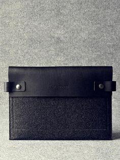 Charbonize - iPad Sleeve- Charcoa