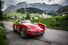 Unforgettable experience: driving a 1900 Sport Spider at the Italian countryside!