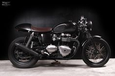 Custom Triumph thruxton by The Tarantulas