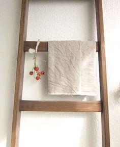 Schlichte Küchentücher aus Leinen, rustikale Einrichtung / rustic kitchen decoration: linen kitchen towels made by 13 simple things via DaWanda.com