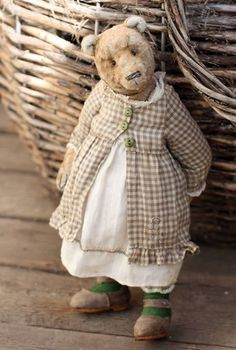 bunnycottage.quenalbertini: Sweet Old Teddy  Bear