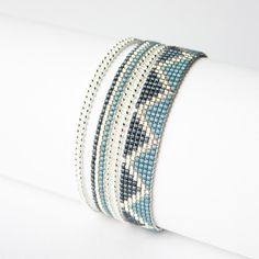 Bracelet 100% fait main ! MADE IN FRANCE   ( FAIT SUR COMMANDE )  DESCRIPTION : Bracelet tissé perles miyuki delicas  Longueur du tissage : 16 cm  ( PERSONNALISABLE ) Large - 13833753 Woven Bracelets, Seed Bead Bracelets, Seed Bead Jewelry, Bead Jewellery, Beaded Jewelry, Jewelery, Handmade Jewelry, Loom Bracelet Patterns, Bead Loom Patterns