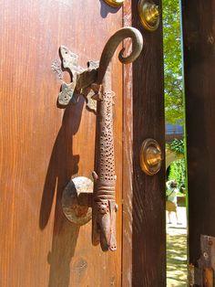 Lizard Door Handle | Door handles and Doors
