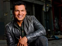 He is perhaps the best-known face of any Native American, Adam Beach (Saulteaux… Native American Actors, Native American History, Native American Indians, Native Americans, Native Indian, Adam Beach, American Spirit, First Nations, Good Looking Men