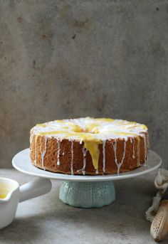 angel food cake with lemon lime and mango curd. They had me at mango curd. Lemon Recipes, Baking Recipes, Sweet Recipes, Cake Recipes, Dessert Recipes, Appetizer Recipes, Easy Desserts, Delicious Desserts, Mango Curd