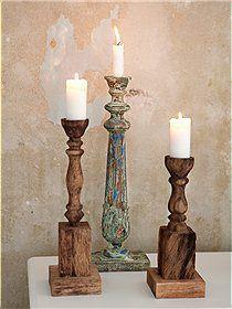 Kerzenleuchter Sehr dekorative und große Kerzenständer aus Holz. Der mittlere Leuchter ist im shabby look bemalt.