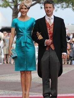 Mary von Dänemark zeigt gern ihre trainierten Beine, wie hier zur Hochzeit von Charlène und Albert 2011.