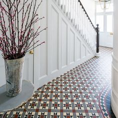 Gorgeous hall tiles ideas best 25 edwardian hallway ideas on Edwardian Haus, Edwardian Hallway, Edwardian Staircase, Edwardian Bathroom, 1930s Hallway, Edwardian Architecture, Modern Hallway, Vintage Bathrooms, Hall Tiles