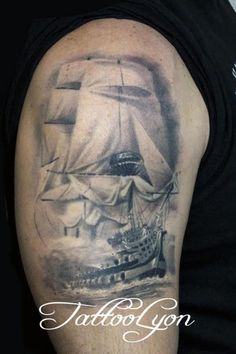 old pirate ship tattoo tatoo pinterest tatouages id e tatouage et bateaux. Black Bedroom Furniture Sets. Home Design Ideas