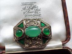 Jewellery Uk, Vintage Jewellery, Welsh Dragon, Unusual Jewelry, Green Agate, Brooch Pin, Vintage Designs, Celtic, Irish