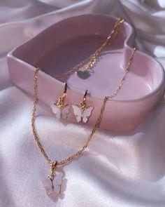 Ear Jewelry, Dainty Jewelry, Cute Jewelry, Gold Jewelry, Jewelry Accessories, Fashion Accessories, Jewelry Necklaces, Fashion Jewelry, Jewelry Design