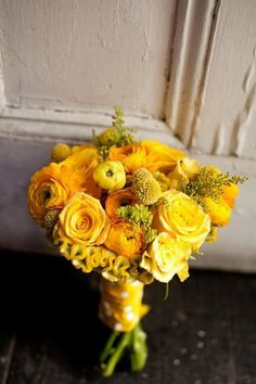 So pretty and bright   Wedding  Yellow Wedding  Bridesmaid   Bouquet  #necklace #weddings #beauty #bridesmaid #jewelry  www.starlettadesigns.com
