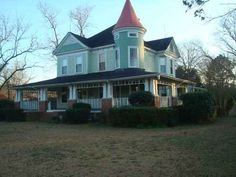 1889 Victorian  Latta, South Carolina passed this house almost every day on my mission