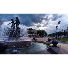 """Друзья,а какой у вас любимый цвет?:)⚫️⚪️ Автор фото:@ulfanova_rf #Подольск #Podolsk #vpodolske"""