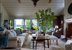 those stupid overstyled tree branches are killing me, but otherwise... (design Stephen Gambrel)