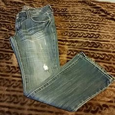 Distressed Refuge Jeans Distressed Refuge Jeans in EUC!! Worn 3 times. Very flattering!! No fraying at bottom. refuge Jeans Boot Cut