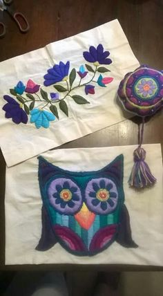 Set aside a weekend for these easy crafts to make and sell. These are the projects you need, if you want to start selling! Mexican Embroidery, Embroidery Monogram, Crewel Embroidery, Floral Embroidery, Embroidery Patterns, Bordado Floral, Mexican Designs, Embroidery Needles, Craft Work