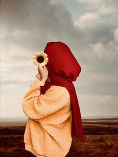 Hijabi Girl, Girl Hijab, Hijab Dp, Muslim Hijab, Teenage Girl Photography, Girl Photography Poses, Stylish Girls Photos, Stylish Girl Pic, Islamic Girl Images