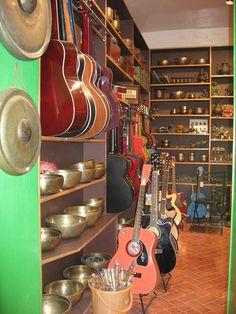 Guitar shopping