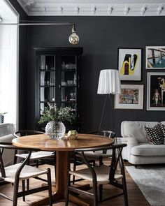 〚 Scandinavian home with each room decorated in its own color 〛 ◾ Photos ◾Ideas◾ Design Interior Exterior, Home Interior, Interior Design, Dark Grey Walls, Black Walls, Decor Scandinavian, Dark Interiors, Home And Deco, Interior Inspiration