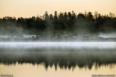 Finland, Helsinki: Two islands called Kokkoluoto and Lammassaari, situated in the sea area of Vanhankaupungin selkä, seen from the shore of Arabianranta on a cold autumn morning. Autumn Morning, Beautiful Space, Helsinki, Finland, Cold, River, Sea, Mornings, Places